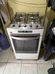 Vende-se um fogão