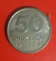 Vendo moedas antigas!! 50 cruzeiros, de 1985; 1 cruzeiro, de 1979; e 5 cruzeiros, de 1980.
