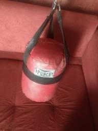 Vendo saco de pancada da punch