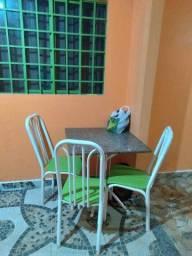 Vendo a mesa de mármore com 3 cadeiras televisão