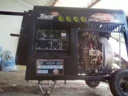 Gerador a diesel conservado