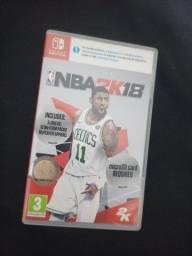 Jogo cartucho Nintendo Switch com capa encarte NBA 2K18 Basquete