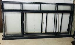 Vendo janelas de ferro 2,40 x 1,10m