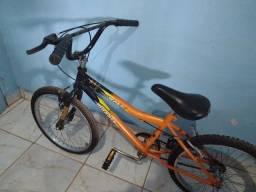 Bike BMX Monark pequena