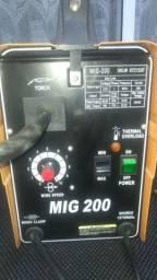 Máquina de Solda MIG 200