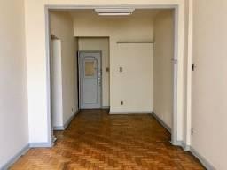 Apartamento Quarto Sala, junto ao Bairro de Fátima