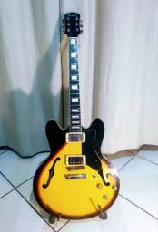 Guitarra Semi Acústica com Case