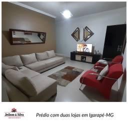 Casa com 4 quartos e duas lojas no bairro Jardim Roseiras, Igarapé-MG