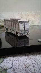 Ônibus de papel