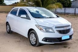 Chevrolet Onix LT 1.0 2013/2014 - Com central MyLink - 2014