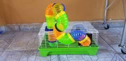 Gaiola para hamster com tubos coloridos