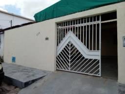 Casa com 3 dormitórios para alugar por R$ 900,00/mês - Conjunto Esperança - Fortaleza/CE