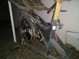 Vendo duas Bikes Spinning para Restauração!