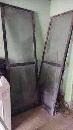 Porta de vidro de correr semi nova apenas suja