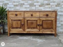 buffet aparador em madeira maciça com 3 portas e 3 gavetas