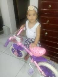 Vende-se uma bicicleta para criança e aceito troca também