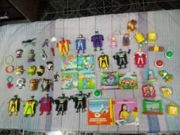 Pacote de Brinquedos do Mc Donalds.