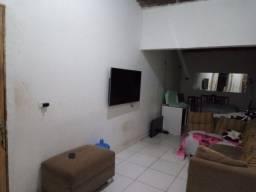 Troco apartamento em uma casa