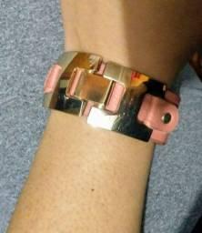 Bracelete De Couro Com Duas Regulagens De Tamanho