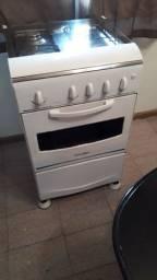 Vendo um fogão Esmaltec, com pouco tempo de uso, valor 190
