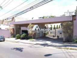 Linda e aconchegante casa geminada duplex, em condomínio fechado à venda no bairro Cabral