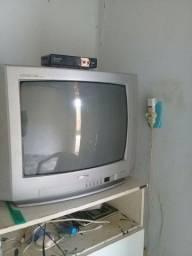 Vende se uma TV com o Converso