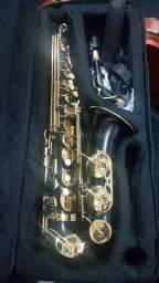 Título do anúncio: Sax alto preto chave dourada