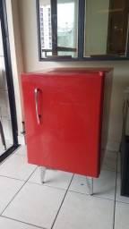 Frigobar brastemp retrô vermelha