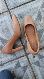 Sapato scarpin nude tamanho 36