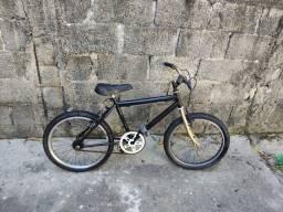 Bike aro 20 pra criança,Toda reformada só pegar e andar.