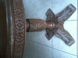 Conjunto de mesa de centro e duas de canto. Madeira maciça antiga. Bom estado