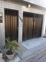 Casa bem localizada em Olinda.