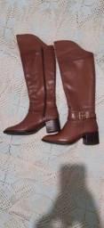 Vendo bota cano auto mezzo Punto marrom calça 34 semi novo
