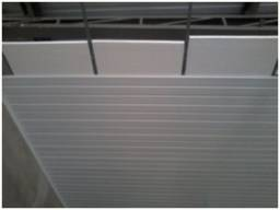 Isopor dentro do forro de PVC