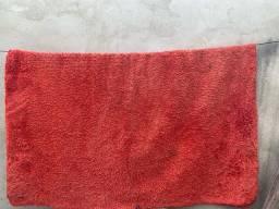 Tapete vermelho só está sujo/1,80 por 2,20