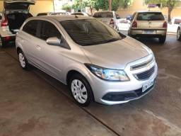Onix LT 1.4 completo ano 2014