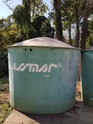 Caixa d'água de 5000 litros usada