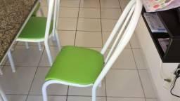 Mesa em mármore com 6 cadeiras