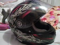 Vendo 2 capacetes shark por RS 500,00