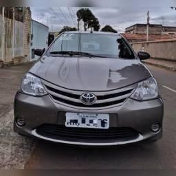 Toyota Etios X aut - 2017