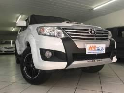 Toyota Hilux SW4 SRV D4-D 4X4 3.0 TDI DIES. AUT 7 LUGARES - 2014