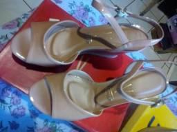 Sandálias semi novas