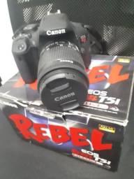 Câmera Digital EOS REBEL T5i