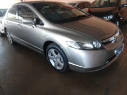 Honda Civic LXS Automático + Bancos de Couro - Analiso Trocas - 2008