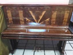 Piano essenfelder exclusivo