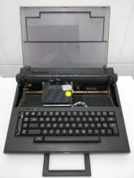 Máquina de escrever oliveti