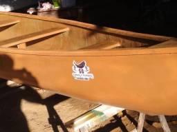 Fabricação de canoas e caíaques em fibra