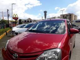 Toyota Etios X hatch 1.3 2014 COMPLETO - FINANCIADO