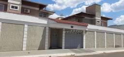 Sobrado condomínio fechado em Caldas Novas