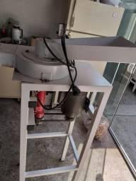 Maquina de quebrar castanhas do pará